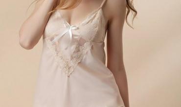 Cách chọn quần áo ngủ nữ trong mùa hè